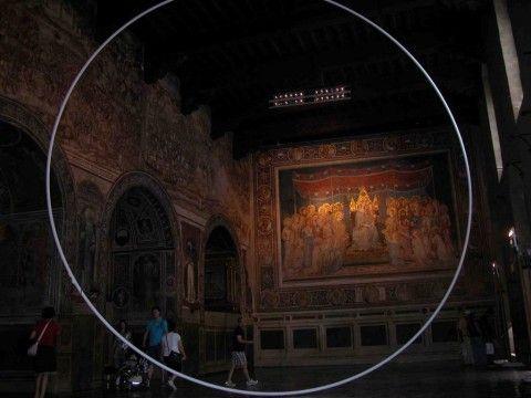 La Maestà di Simone Martini e Gli effetti del Buono e del Cattivo Governo possono convivere (stabilmente) con opere d'arte contemporanea? Francesco Carone nel Palazzo Pubblico di Siena lancia la sfida. E il dibattito