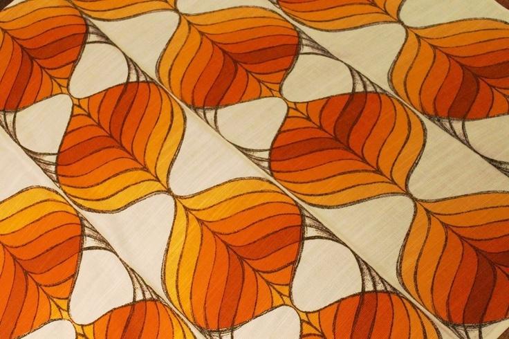 So toll: Original aus den 70er Jahren eingeflogener Stoff der Firma Dekoplus. Typisch für die Hippie Zeit.    Bester Vintage-Zustand: knallige Farb...