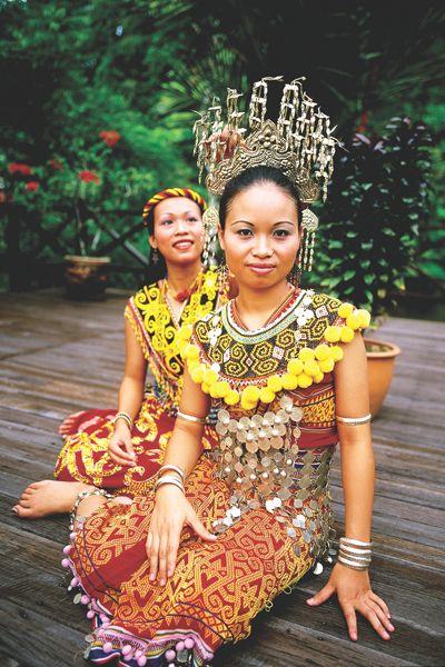 Iban( Dayak) women, Sarawak, Malaysia | Tropicology ...