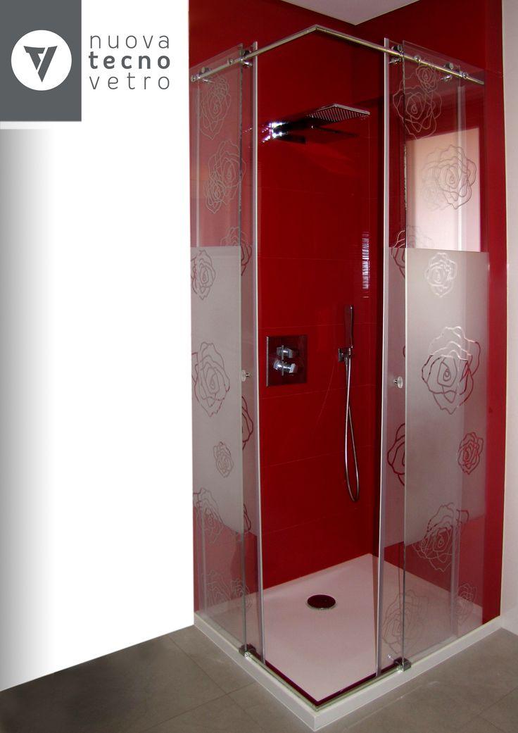 Nuova Tecnovetro Matera, Box doccia in vetro temperato Realizzazione su misura di cabine doccia tutte in vetro con l'abbinamento di strutture in acciaio. Possibilità di applicazione di prodotti idrorepellenti per ridurre il crearsi del calcare sul vetro. Il trattamento idrorepellente è anticalcare, antibatterico, antigraffio, a bassa manutenzione e di lunga durata. Glass shower