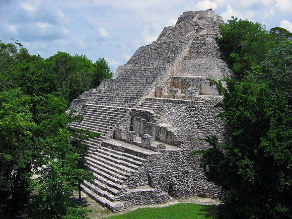 Ruinas Maya de Cobá - las pirámides más altas de la península de Yucatán. ¡Apuesto a que se ve más grande cuando esté en la parte inferior de los pasos!