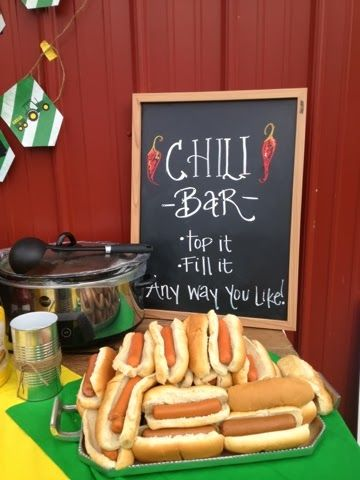 Great way to serve Chilli! Loving the idea of letting people make Chilli Dogs!