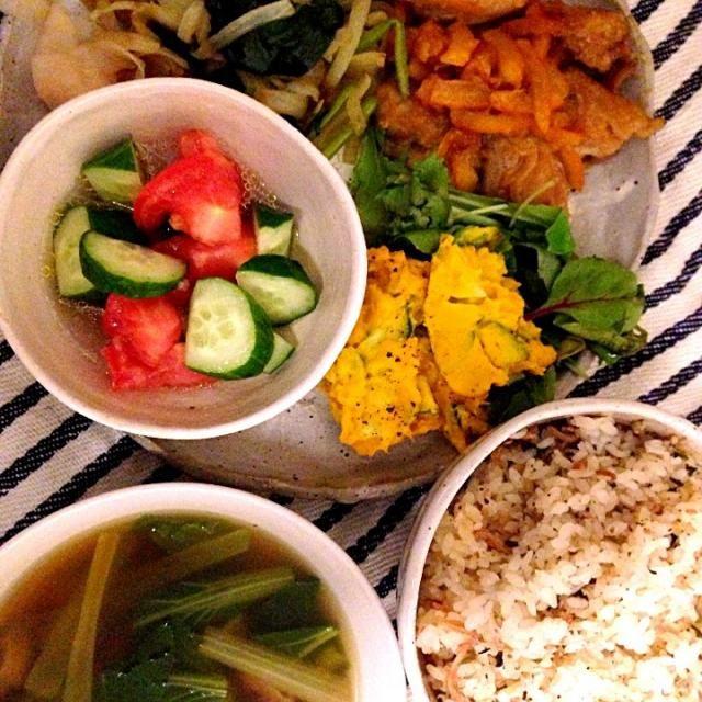 6/10 - 3件のもぐもぐ - 鳥肉のマーマレード煮、かぼちゃサラダ、トマトときゅうりのマリネ、梅ちりめん炊き込みご飯、小松菜スープ by ななな