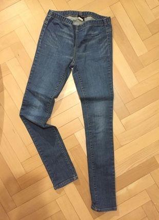 Kupuj mé předměty na #vinted http://www.vinted.cz/damske-obleceni/leginy/10492689-pekne-elasticke-ryflove-leginy-pieces