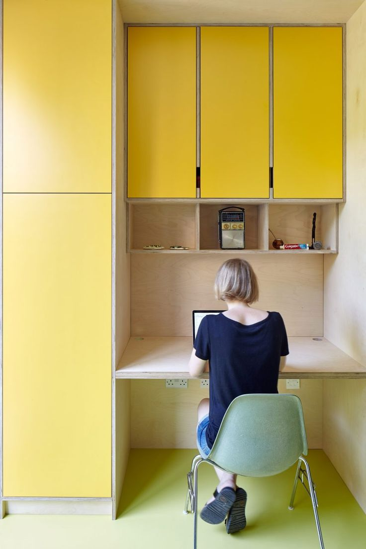 R2 studio enlivens Victorian London home with bold colour palette