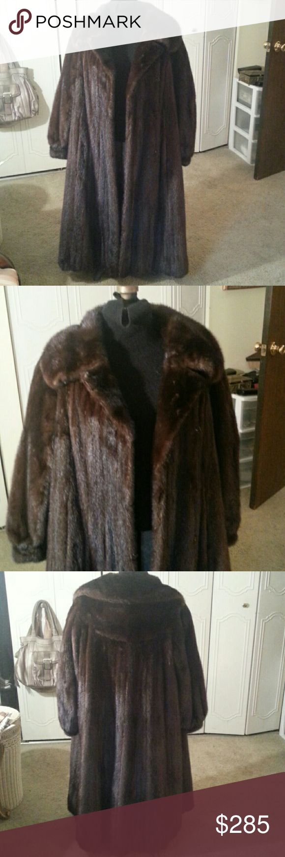 MINK REAL FUR  ANKLE LENGTH VINTAGE COAT MINK REAL FUR  ANKLE LENGTH VINTAGE COAT BEAUTIFUL FUR SIZE 8-10 MEDIUM FUR IS LUXURIOUS LINING IS EMBROIDERED ON BOTTOM THERE IS A MONOGRAM ON LINING WHICH IS A BROWN COLOR THERE ARE HOOK AND EYE CLOSURE WHICH MAY NEED TO BE REPLACED THERE WAS A BELT BUT AM UNABLE TO LOCATE IT I USED IT WITHOUT THE BELT IT IS IN GOOD CONDITION NO TEARS THAT I CAN FIND AND NO ODOR THIS IS A BEAUTIFUL COAT FOR VINTAGE AT A GREAT PRICE MINK ANKLE LENGTH Jackets & Coats