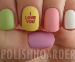 Valentine's Day nails! #candyhearts #conversationhearts  http://bulkecandy.com