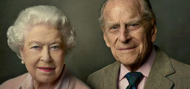 Queen Elizabeth II and The Duke of Edinburgh. (Photo: Facebook/The Royal Family/Annie Leibovitz)