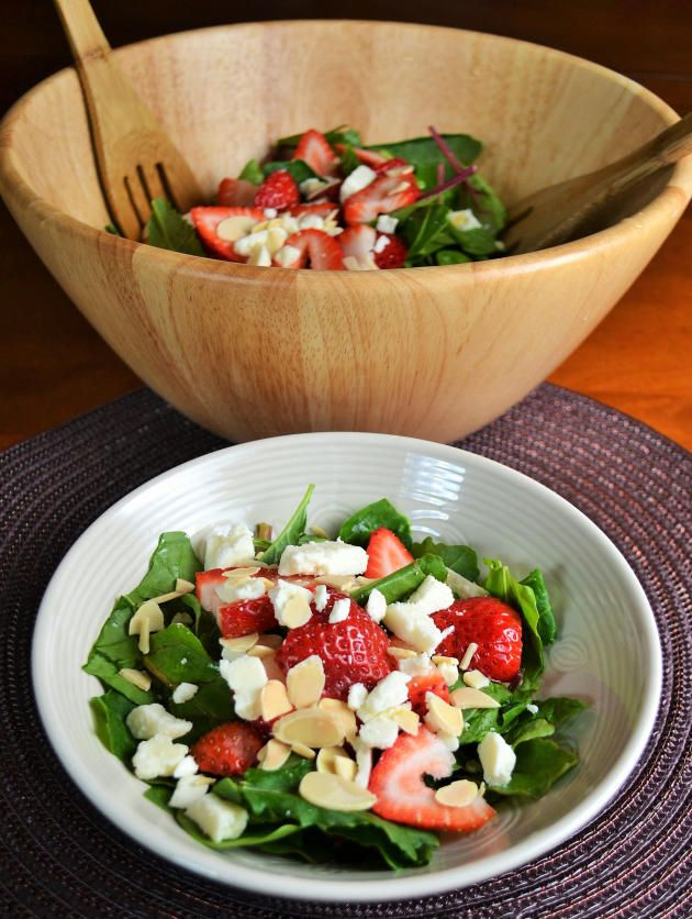 Sweet Strawberry Spinach Salad makes a wonderful lunch. Light, filling, and so delicious!