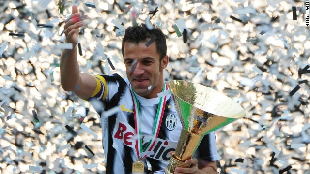 Alessandro Del Piero celebrating his final game for Juventus #legend