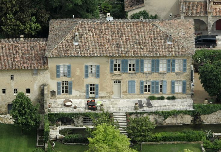 Nice Big Homes In France Celebrity Cribs Angelina And