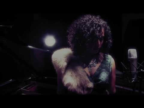 Marlon Chaplin ft. Jessica Speziale - Don't You Fall (Felideye Pictures Live Session) - YouTube
