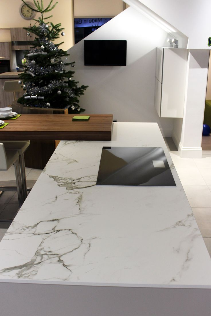 Dekton Aura worksurface display