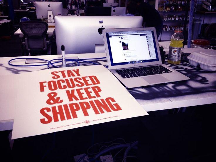 mark-zuckerbergs-desk-stay-focused-and-keep-shipping.jpg (960×720)