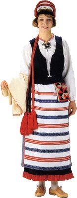 Antrean naisen kansallispuku. Kuva © Helmi Vuorelma Oy