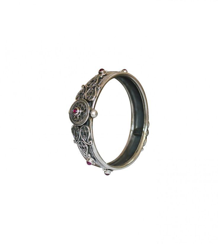 Buy silver bangles online for women and give elegance and style for your looks. This ornament match with the most different occasions from parties to office.