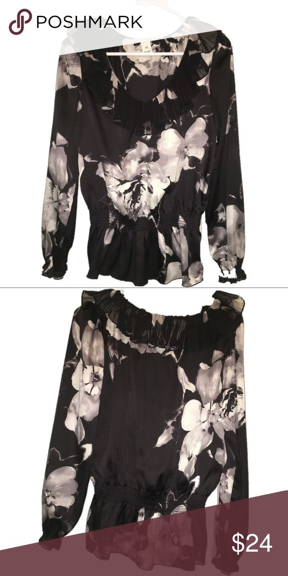 White House Black Market XS Top Beauty feminine XS floral long sleeve top, featuring elastic waist and peplum.  Excellent preowned condition. White House Black Market Tops Blouses