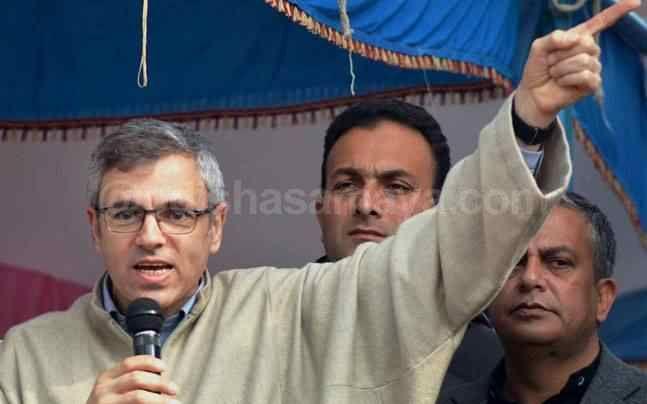 Omar Abdullah Decries PM Modi over 'Intolerance' Issue - http://odishasamaya.com/news/national/omar-abdullah-decries-pm-modi-over-intolerance-issue/67072
