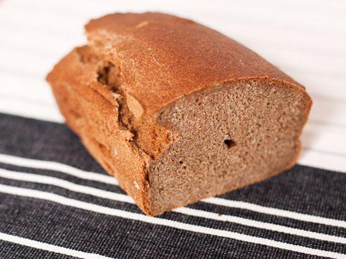 Teljes kiőrlésű élesztő nélküli kenyér
