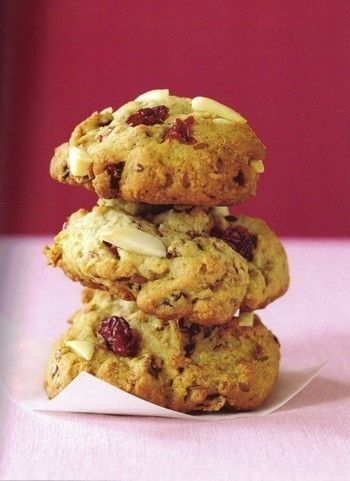 Love these breakfast fruit and nut cookies from Tosca Reno's Eat Clean cookbook!