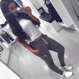 pants nike sweatpants casual bag shoes shirt joggers grey nike sweatpants roshes sweats grey sweatpants nike roshe run me swag leggings