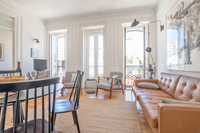 An Eclectic Lisbon Apartment Apartments For Rent In Lisbon Portugal Home Lisbon Apartment Apartments For Rent