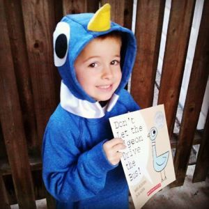 Mo Willems-style pigeon costume