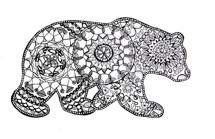 Ausmalbild Bär mit vielen Details und unterschiedlichen Formen, Mandala Vorlagen für Kinder