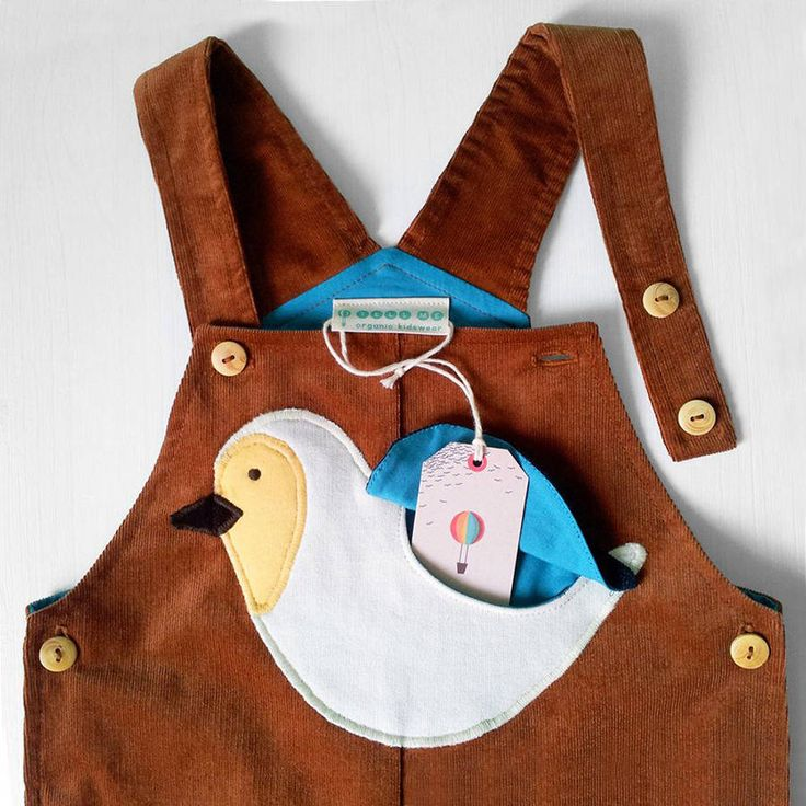 Bio Latzhose mit Vogel-Tasche // Organic Cotton Dungarees for Kids by TELL ME Organic Kidswear