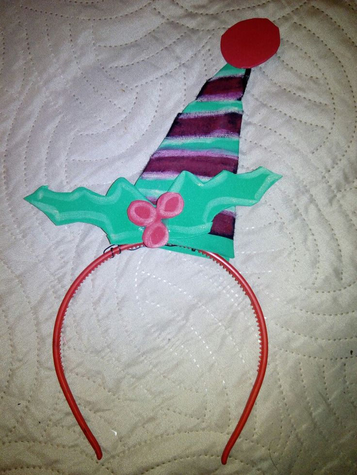 Hair band with christmas elf's hat