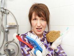 Wasser und Kalkflecken in Duschkabinen sind lästig und sehen unschön aus. Hier finden Sie einige Anregungen, die Ihnen das Reinigen der Duschkabine...
