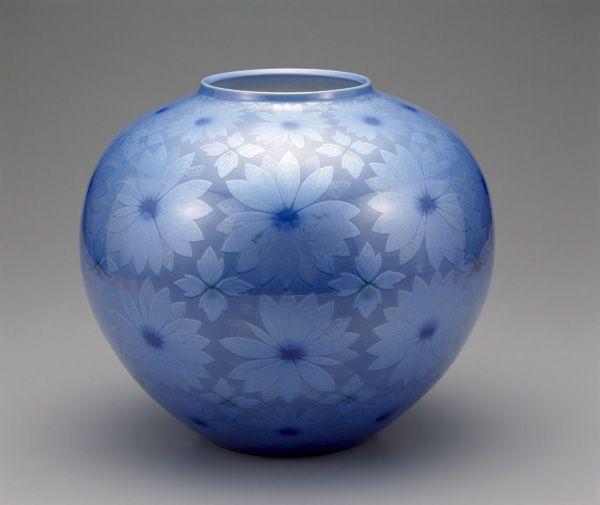 Jar with design of flowers 1992  Nakada Kazuo , (Japanese, b. 1949) Heisei era  Porcelain with silver foil under pale blue glaze H: 33.9 W: 38.4 D: 38.4 cm Komatsu City, Japan