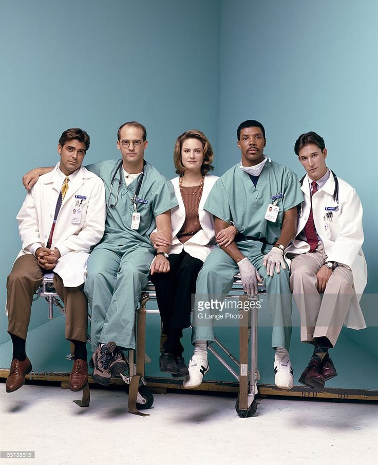 The original cast members of ER pose at a portrait session for Entertainment Weekly Magazine in 1994. From l-r: George Clooney, Anthony Edwards, Sherry Stringfield, Eriq La Salle and Noah Wyle.