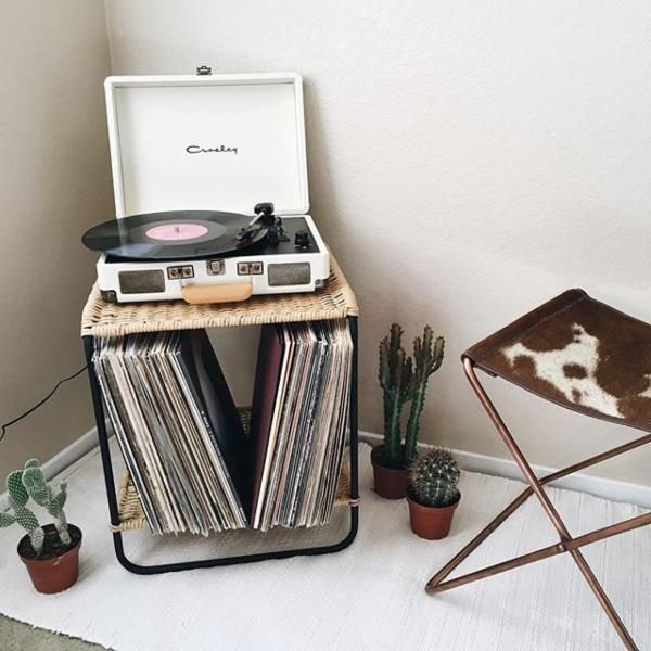 17 best ideas about record decor on pinterest record for Record decoration ideas