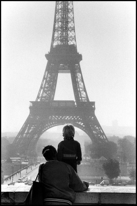 Elliott Erwitt - Paris. 1989.