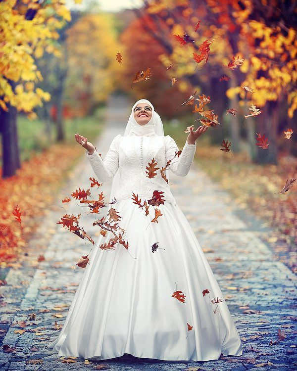 Yaprakları en güzel atan gelin. :) by ismailozyurtcom