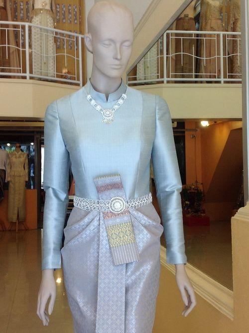 ชุดไทยบรมพิมาน สีฟ้า