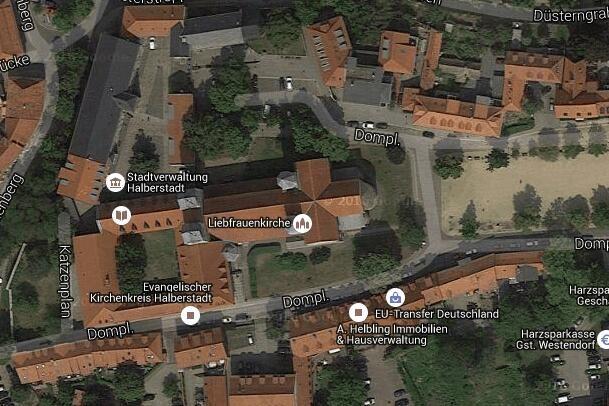 Die Liebfrauenkirche in der Harzstadt Halberstadt ist die einzige viertürmige romanische Pfeilerbasilika in Mitteldeutschland. Klicken Sie hier, um mehr über die einzigartige Sehenswürdigkeit der Straße der Romanik zu erfahren!