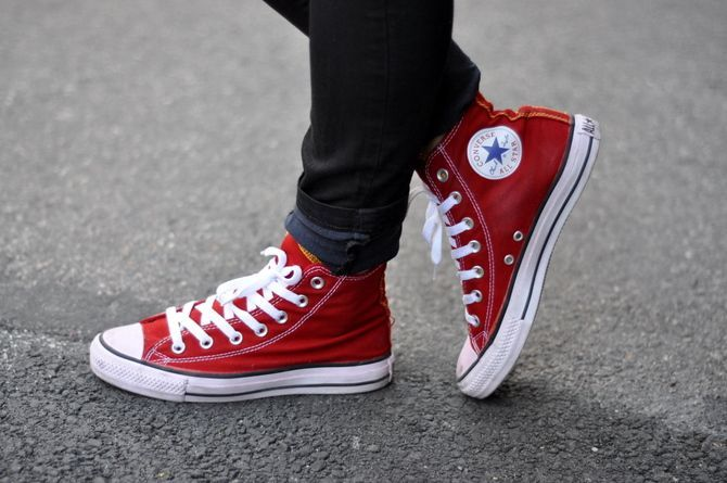 Converse, Sneakers fashion, Converse men, Red converse, Too