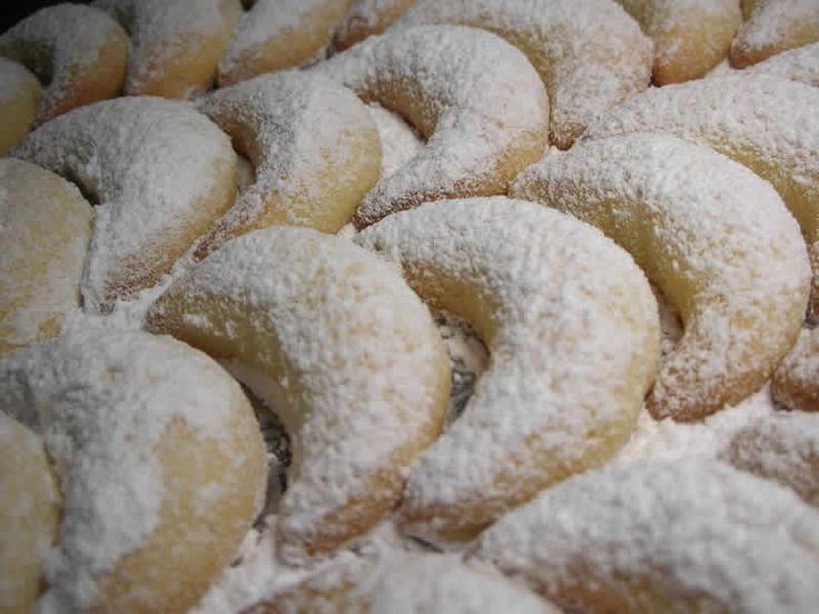 Vanille Kipferl biscuits alsacien au thermomix. Je vous proposes une recette de biscuits alsacien , facile et simple a préparer chez vous avec le thermomix.