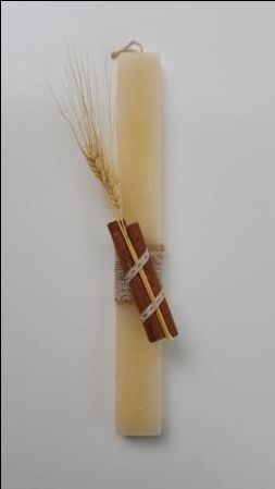 Handmade easter candle with cinnamon and ear