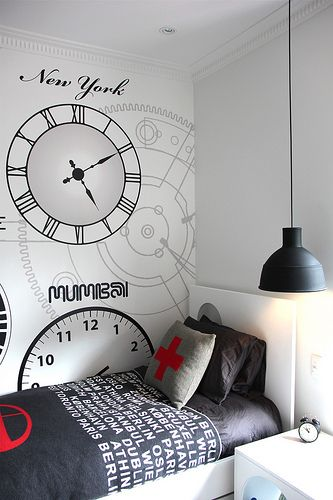 Guest room idea . . . not that I'd ever have the guts to put this on our wall but I still like the idea.