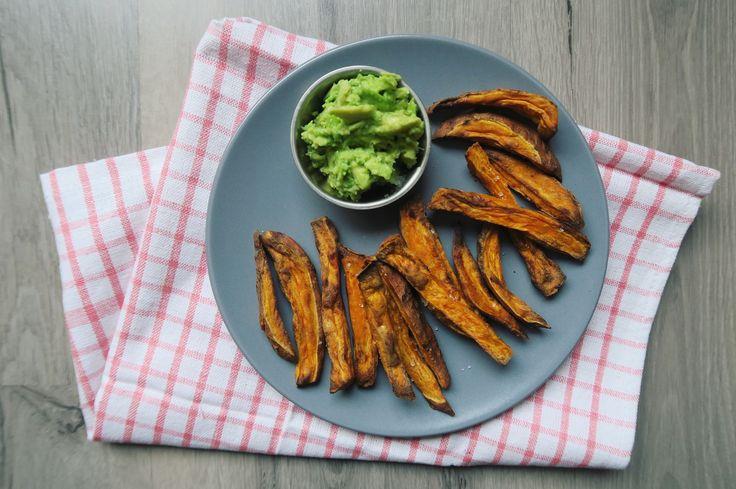 Wekelijks staan er zoete aardappel frietjes bij ons op het menu. Niet alleen omdat ze super gezond en lekker zijn, maar het is ook zo makkelijk! Voor mij is het…