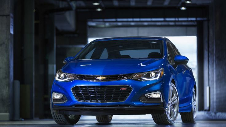 2016 Chevy Cruze is lighter, loaded