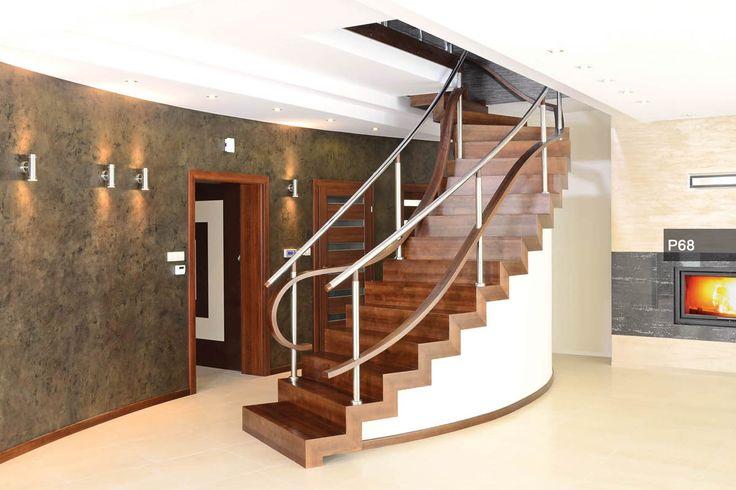 P170 Schody na konstrukcji metalowej dywanowe   Drewno: dąb bielony   Balustrada szklana