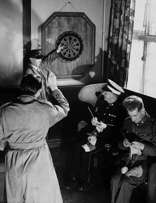 WWII Servicemen knitting