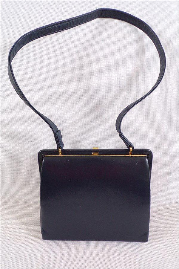 Sac a main en cuir vintage bleu marine Eros made in England / mode vintage / sac porte epaule / doré et bleu / sac couture de la boutique decobrock sur Etsy