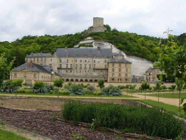Chateau de La Roche-Guyon,Val Val d'Oise(Dept 95).Chosen as his headquarters in France,Feb 1944.The building is dug into the base of a chalk cliff & still houses the arsenal with armoured doors.Rommel chose a large lounge as a workroom & had it's terrace enlarged & planted with roses.The occupation was low key as possible.