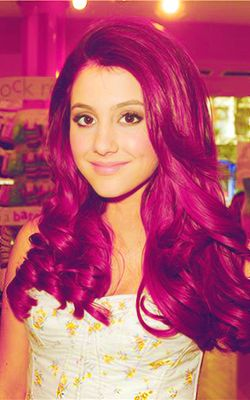 Ariana Grande I want her hair colour <<<doesn't everyone!