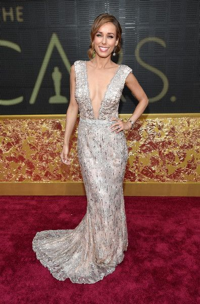 #oscarfashion Anne-Marie Carpendale attends the 88th Annual Academy Awards at Hollywood & Highland Center on February 28, 2016 in Hollywood, California.